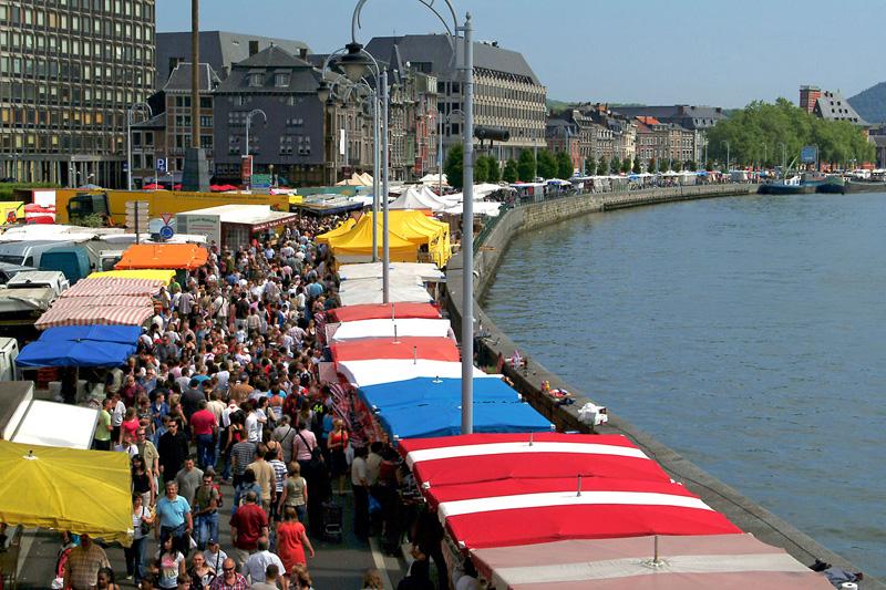 La Batte, de  markt op zondag in Luik